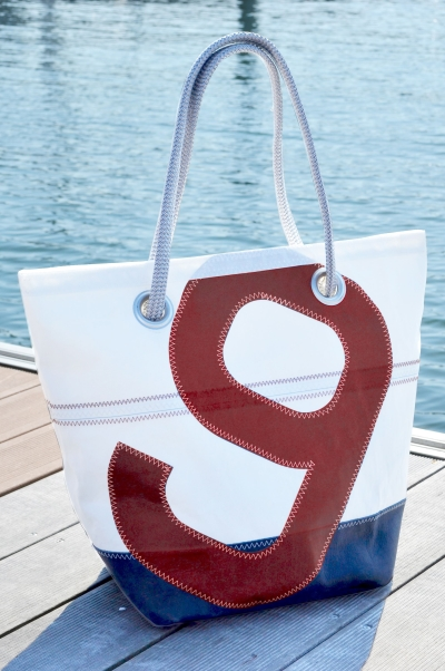 Made His First Creations In 2005 From The Recycled Sails Of Family Yacht Business Has Organised And Is Today Offering A Collection Bags